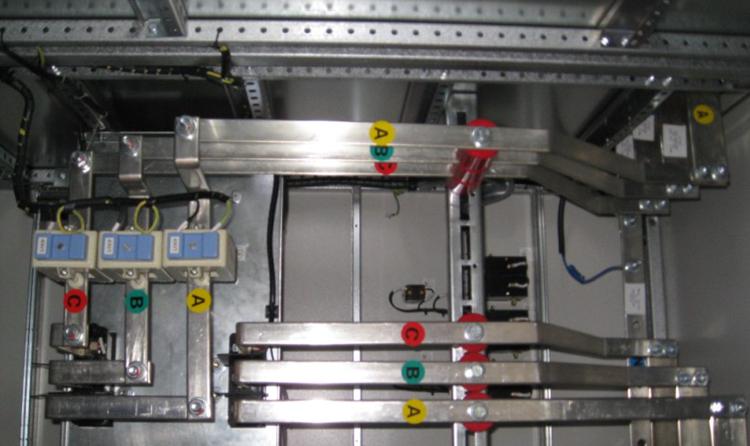 框架断路器的选择,接线,安装;          17.